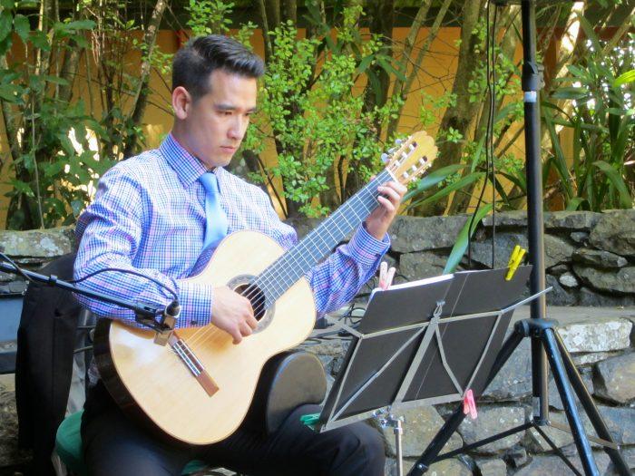 Paul Zdrenka – Classical Guitar